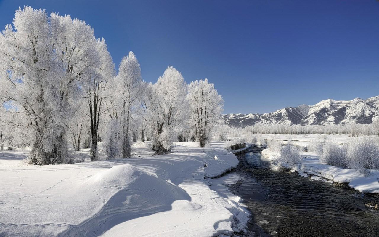 25 Beautiful Winter Wallpapers